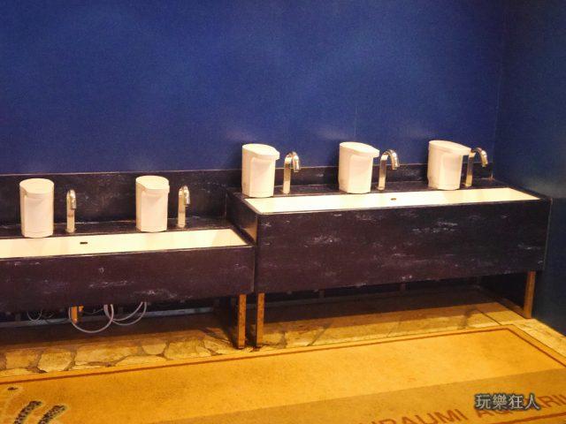 『海洋博公園』沖繩美麗海水族館-觸摸池洗手台