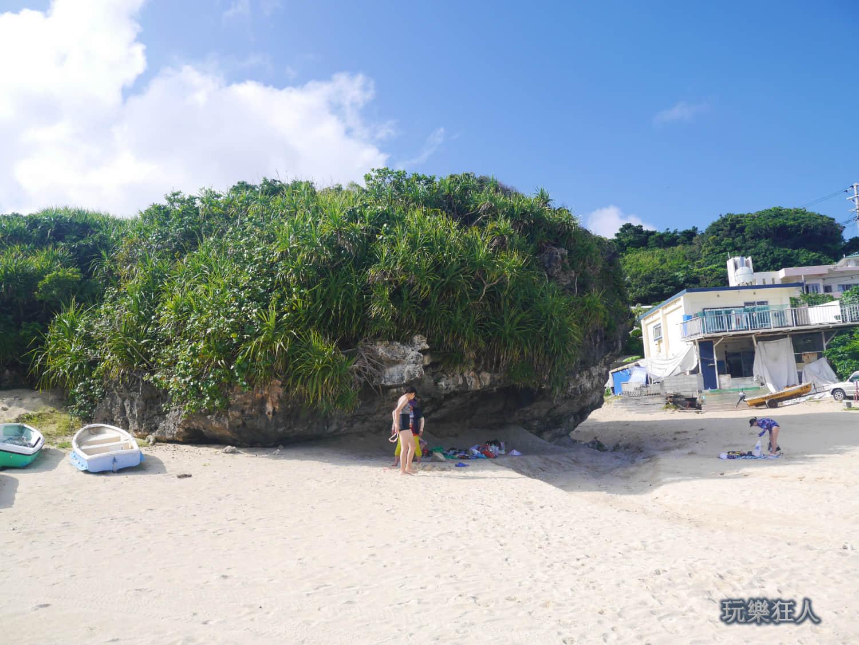 「新原海灘」天然大陽傘
